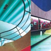 Construit en 1951, par Dominique Basciano, le Lynx il reste le plus beau cinéma de Casablanca. Rénové, son décor d'origine, tout en courbes, a été exalté par la palette vive de Sofia Tazi.